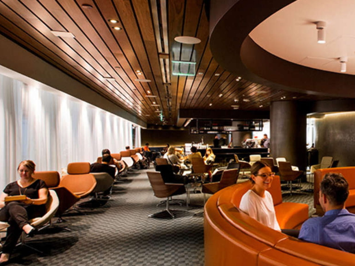 How to enjoy access to airport lounges